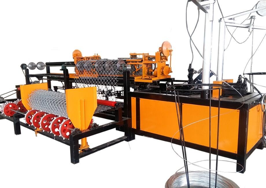 chain link fence machine (1).jpg