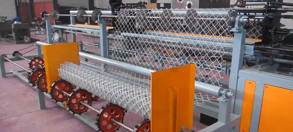 2021 Hot sale Double wires full automatic chain link fence machine